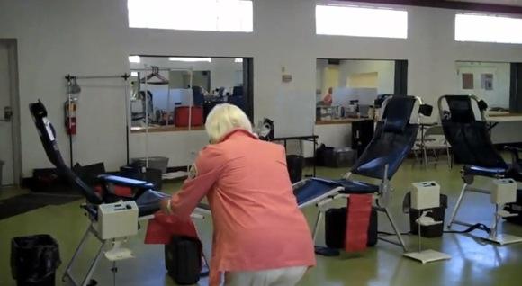 【衝撃動画】おばあちゃん(90)のバク転がヤバイ