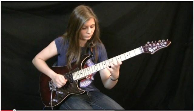 天才すぎる14歳のギター美少女に世界がメロメロ! 海外の声「本物の才能だ」「俺と結婚してくれ!」