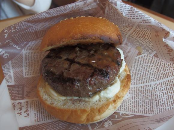 静岡県最強レストランさわやかの超上級者メニュー『さわやかバーガー』は「暇を持て余した神々の遊び」のような料理