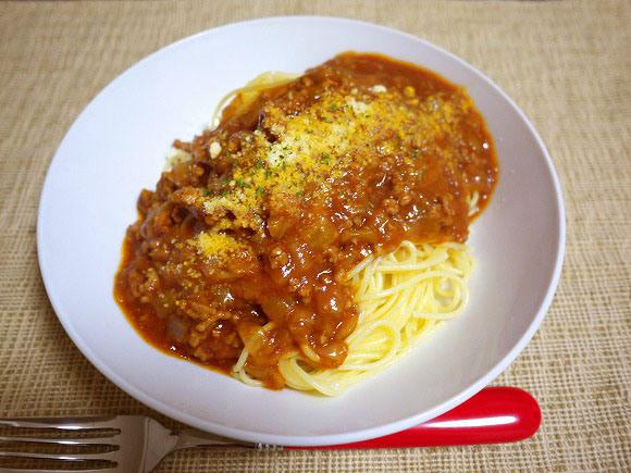 「スパゲティをゆでる時は塩なしでOK」という説が発表され大議論勃発! 反論「塩を入れないと麺から水分が出る」