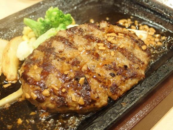 【ガチ判定】人気ステーキレストラン『ステーキガスト』と『ステーキけん』どちらがウマくてコスパが良いのか比べてみた