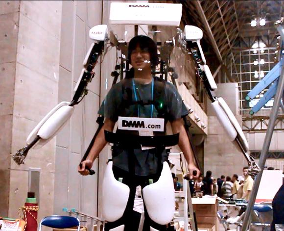 【動画あり】未来はそこまで来ているのかも!! 世界を興奮に沸かせた日本発のパワードスーツ「パワードジャケットMK3」がワンフェスで披露!