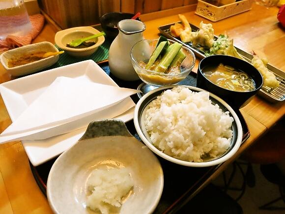 【時間無制限】700円で天ぷらが食べ放題な店がスゴイ! しかも野菜は自家製! 現役女子高生にも大人気!!