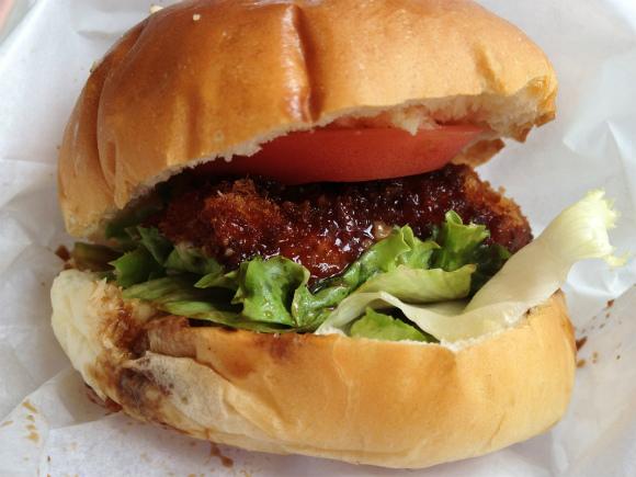 【石川グルメ】めったに流通しない食材で作られたご当地グルメ『能登島バーガー』をご存じでござるか?