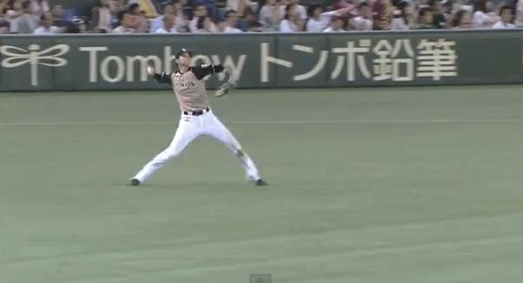 【衝撃野球動画】日ハム・大谷選手のレーザービームがイチローを彷彿とさせるくらいスゴイと話題