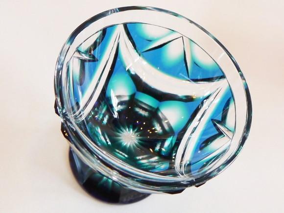 【鹿児島アート】暑さも忘れそうな透明感あふれるガラス工芸「薩摩切子」の世界