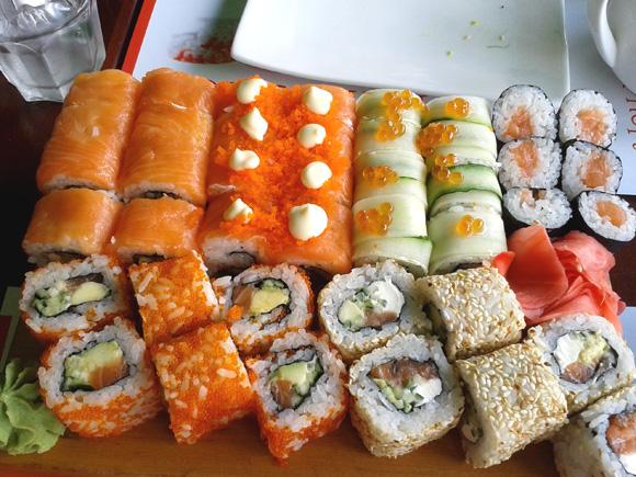 【ナターシャ通信】ウクライナ人はかわいそう! ウクライナでは「寿司ではない寿司」が本当の寿司です