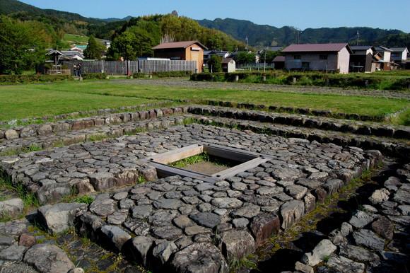 【お悩み相談】奈良県民「家を建てようとしたら5回連続で遺跡が見つかり一生家を建てられそうにありません」
