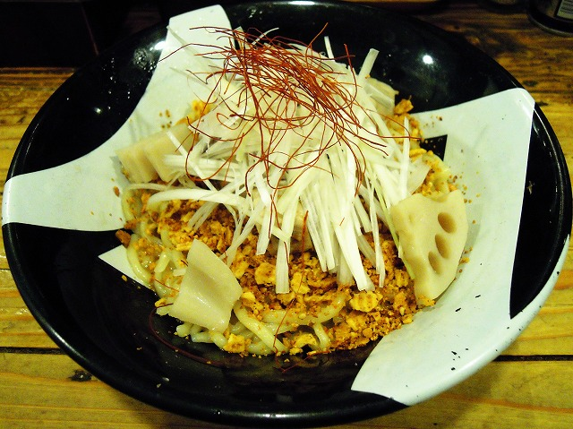 ラーメン凪とコイケヤのコラボ「まぜそばFES 2013」が開催中 / ラーメンとスナックが合体したキング・オブ・ジャンクな特製まぜそばを食べてみた