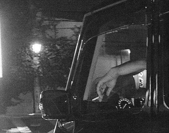 【コラム】ええ加減にせえよ! タバコの灰を外に散らして窓から吸い殻捨てるアホドライバー! マジで危険だから免許剥奪されてしまえ!!