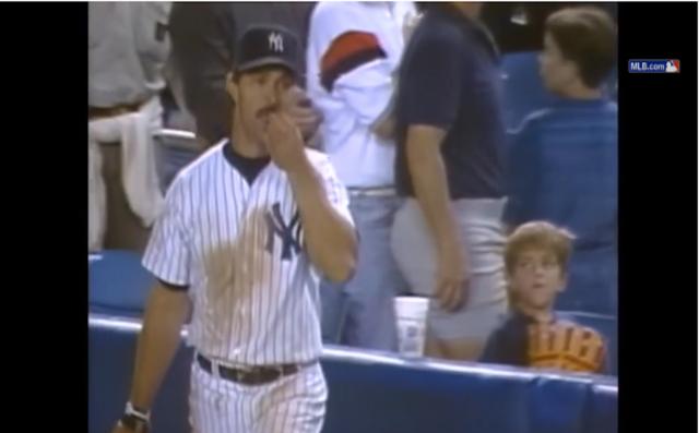 【衝撃野球動画】少年とカメラは見ていた! 紳士であるべきヤンキースの選手が盗みを働くその瞬間!!
