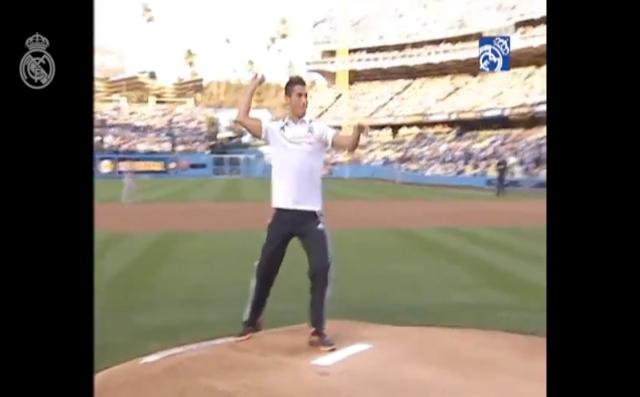 【衝撃動画】野球をしているクリスティアーノ・ロナウドが想像以上にダサいと話題
