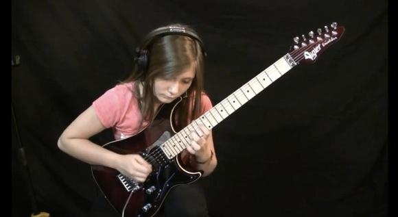 【衝撃動画】14歳の天才ギター美少女が演奏するヴィヴァルディ四季の『夏』に再び世界がメロメロ状態「完璧すぎる」「俺と結婚してくれ!」