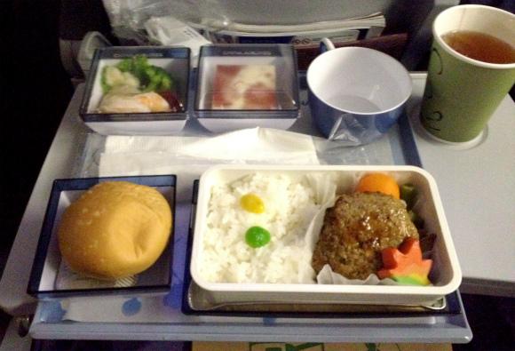 【世界の機内食】成田空港~桃園国際空港(中華航空 CAL)