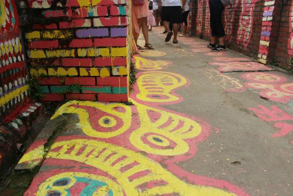 rainbow-village (4)