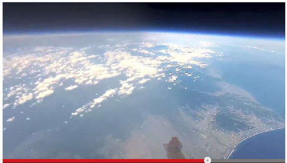 【動画】日本初! iPhoneを成層圏まで飛ばして地球の撮影に成功 / 太平洋上で機器の回収は日本で2例目