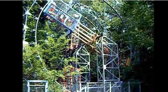 まさに本物のパラダイス! イタリア人男性が40年かけて作った「森の遊園地」が素敵すぎる