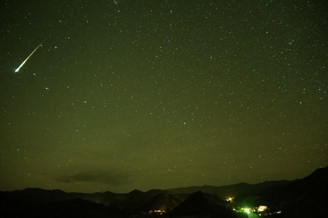 今夜空を見ろ! オリオン座流星群がピークを迎えるぞ~ッ!!