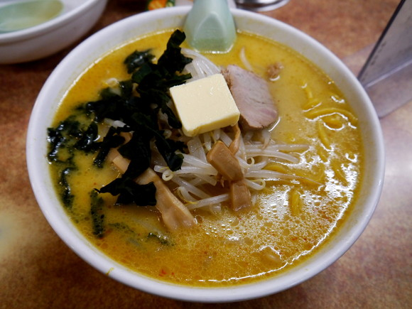 【グルメ】青森名物「味噌カレー牛乳ラーメン」を食べてみた / 予想外すぎる絶妙バランスのやさしい味わいに感動