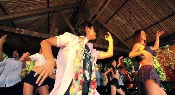 CDTVのエンディングテーマにもなったシベリアンスカンクのニューシングル『ハレンチ学&祭』のPVがインドっぽいのに沖縄の方言バリバリらしい