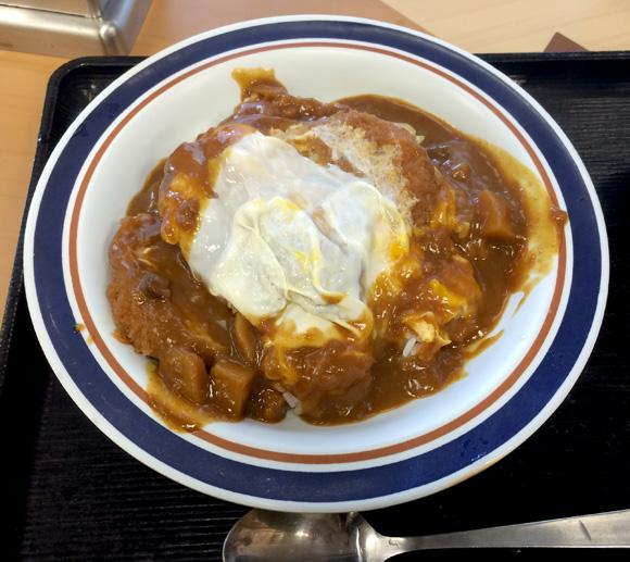 【どっちつかず】富士そばの斬新メニュー「カレーかつ丼」を食べてみた