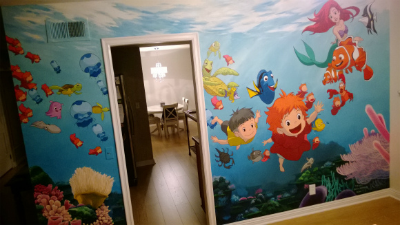 父ちゃんすげえ!! 生まれてくる娘のために子ども部屋に超絶クオリティの『ジブリ』の壁画を描いたパパが素敵