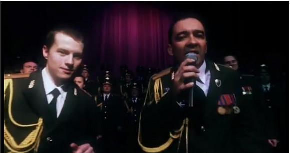 ロシアの警察合唱団がダフトパンク「Get Lucky」を熱唱! 思わず「おそロシア」と言いたくなるほどカッコイイ!!