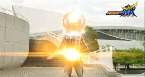 カオスすぎる! 『仮面ライダー鎧武』の変身シーンのまとめ動画が話題 / ネットの声「なんじゃこりゃww」「公式が病気ww」
