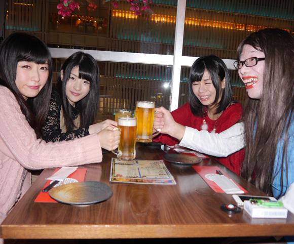 【女子力全開!】クリスマス1人ぼっち確定女子で集まって女子会してみた「みんなこれからも一生友達だゾッ☆」