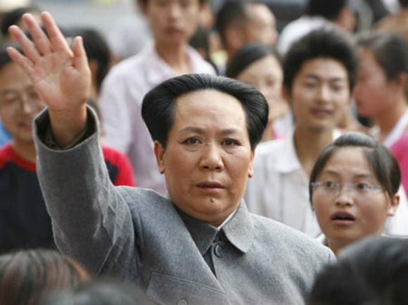 """中国で 『毛沢東』に激似の女性が話題! 悩みは「夫が """"毛沢東を抱いているみたい"""" と夜の生活がなくなった」"""