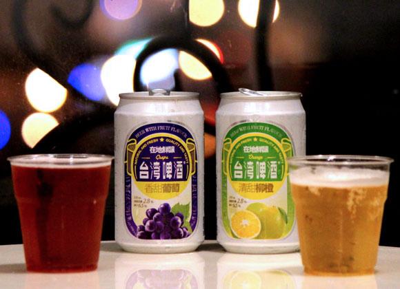 パインとマンゴービールで話題の『台湾ビール』の「グレープ」と「オレンジ」を飲んでみた / 飲みやすすぎて泥酔注意のウマさ