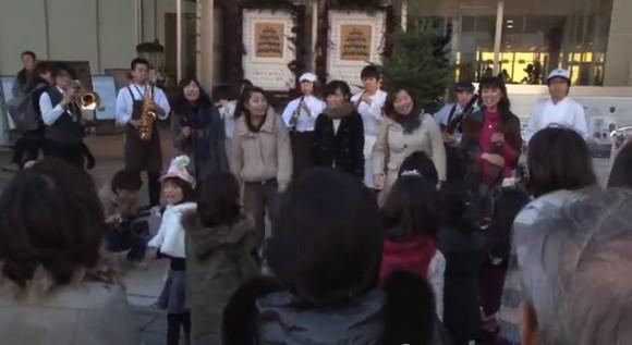 思わず参加したくなる! 横浜で行われた『となりのトトロ』フラッシュモブが素敵すぎ!! ネットの声「優しい気持ちになった」