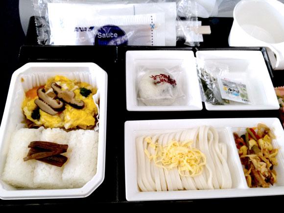 【世界の機内食】成田空港~上海 浦東国際空港(全日空 ANA)
