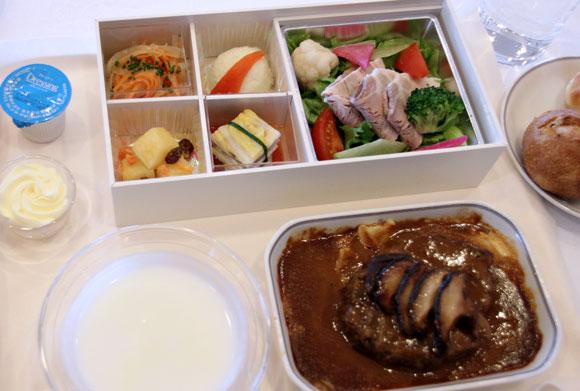 【世界の機内食】成田空港~ホノルル国際空港(日本航空 JAL)
