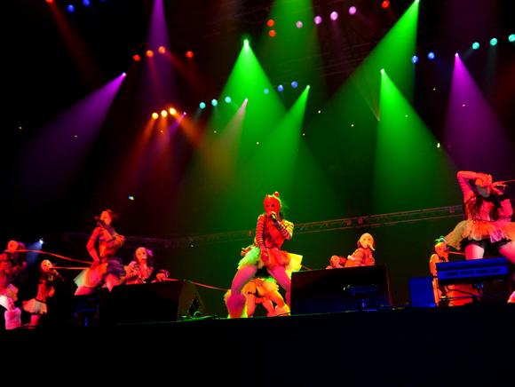 【快挙】極貧アイドルグループ「仮面女子」が武道館でライブ! アウェイな空気をくつがえして2万人を魅了