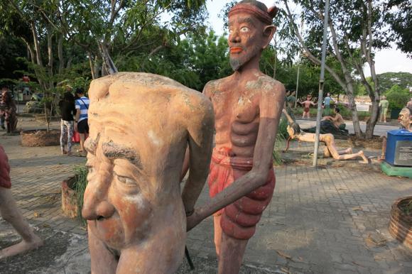 生きながら地獄を体験できる! タイで一番治安の悪い町のすぐそばにある「地獄寺」に行ってみた!!