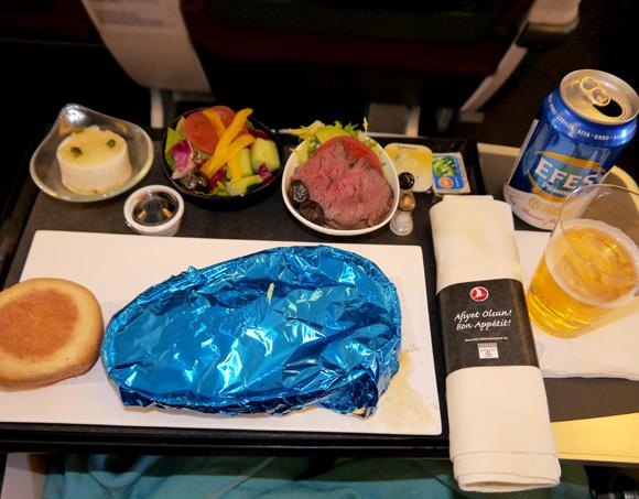【世界の機内食】成田空港~トルコ・イスタンブル アタテュルク国際空港(トルコ航空 THY)