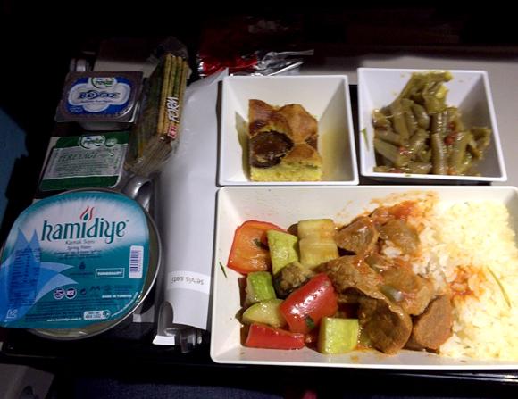 【世界の機内食】トルコ・イスタンブル アタテュルク国際空港~成田空港(トルコ航空 THY)