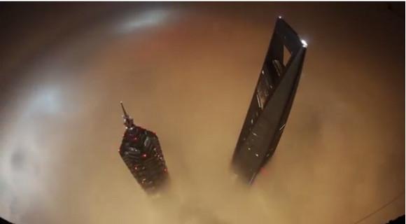 【本気で閲覧注意】ロシア人が中国上海の超高層ビルに素手で登頂 / この世のものとは思えない恐ろしい景色が激撮され話題