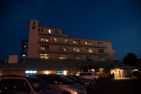 【衝撃】山梨県のウマすぎるカレーのある旅館『石和名湯館 糸柳』がヤバい / ホテルのカレー(笑)ってなるほど美味