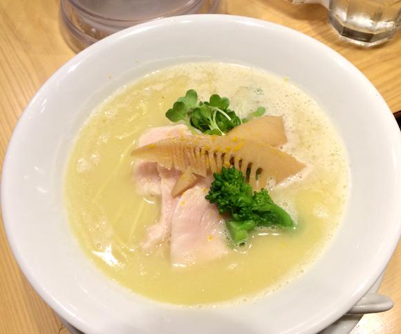 【グルメ】こってり系への理解が変わる洗練された「鶏白湯SOBA」に敬意を表す! 東京・銀座篝(かがり)