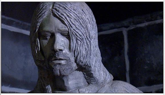 【大不評】生まれ故郷に登場した「カート・コバーンの像」にファン憤慨 「史上最悪の像」「なぜ涙」「ひどい」など