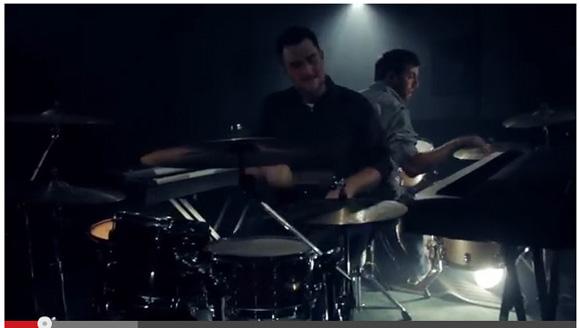 【動画】才能ってすごい! 2台のキーボードと2台のドラムを演奏するデュオの演奏方法がハンパない!!