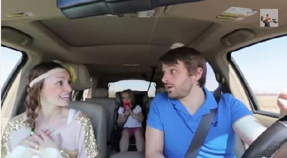 【動画】車の中でディズニー映画『アナと雪の女王』をデュエットする夫婦が素敵すぎると話題!! 再生回数500万回超の大ヒット