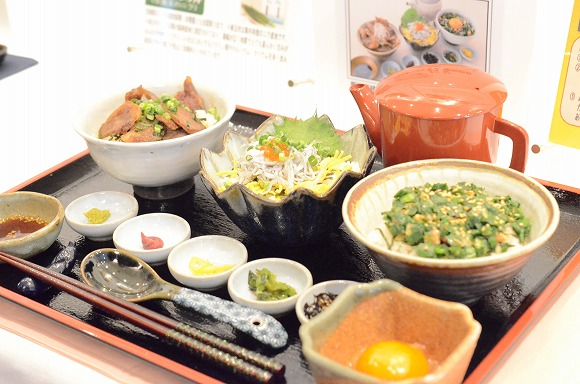 【ご当地グルメ】NEXCO東日本の「どんぶり王座決定戦」が熱い / 初代王者の栄冠を手にしたのはあの『どら丼』だ!