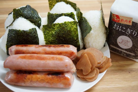 新潟県十日町の米だけで作った『おにぎり米』でおにぎりを作って食べてみた → そのままだけど究極にウマいおにぎりができた!