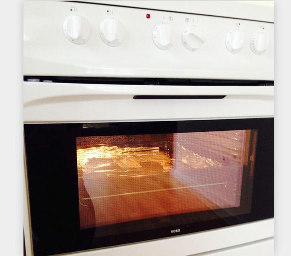 【マジかよ】突然壊れた MacBook Pro の部品を170度のオーブンで加熱 → 見事に復活