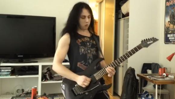 【衝撃ギター動画】自分の世界に入り過ぎたヘビメタギタリストの悲劇 / 前代未聞のクラッシュ事故発生