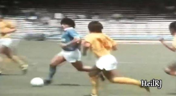 【衝撃サッカー動画】これは超レア! 若き日のディエゴ・マラドーナのプレーはやっぱり「神」だった!!