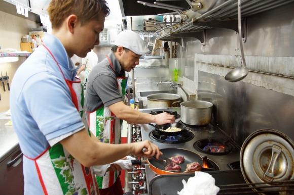 『ジョジョの奇妙な冒険』の「トニオさん」が作るコースを本物のイタリア料理のプロが再現したらどれだけウマいのか試してもらった